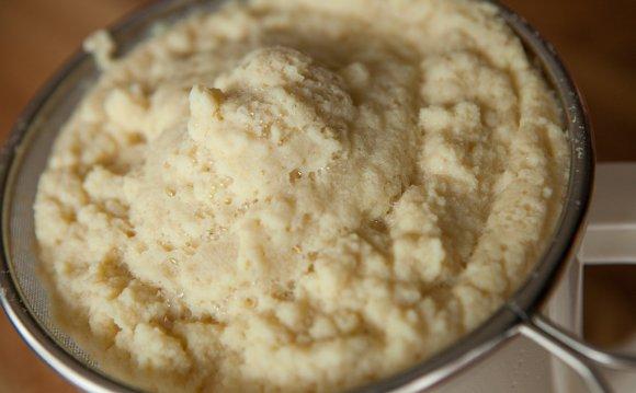 Okara (soybean pulp).jpg